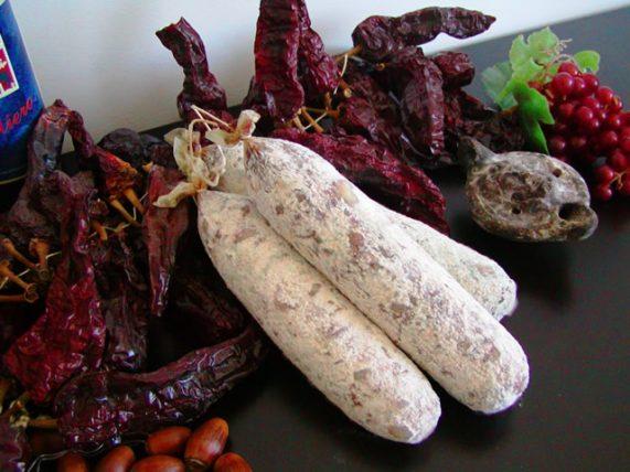 salamino al vino aglianico salumi maiale timpa del cinghiale basilicat, lucania