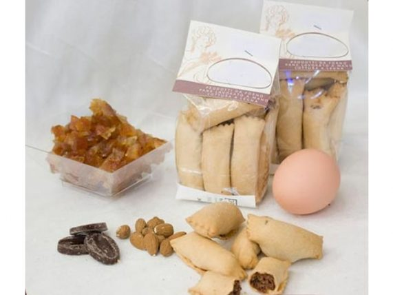 calzoncelli lucani chocolate and almonds forno sorelle palese basilicata lucanian