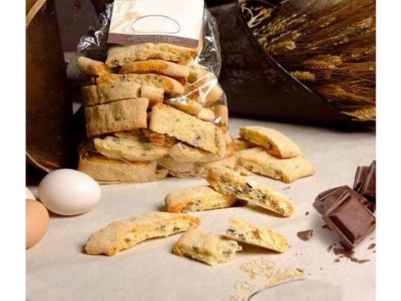 cantucci with chocolate chocolate forno sorelle palese basilicata lucanian