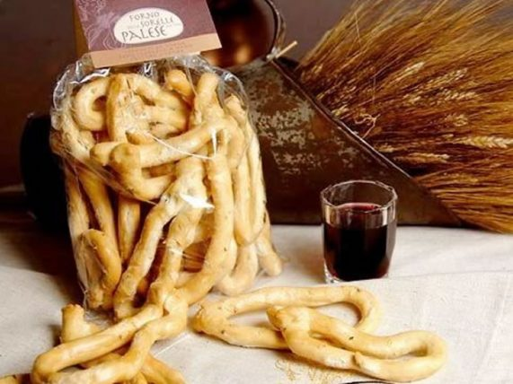 tarallucci to fennel traditional biscuits palese backery basilicata lucanian